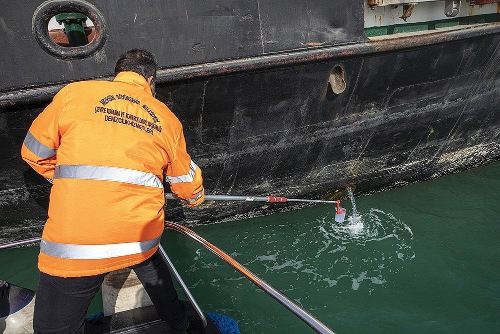 2021/02/mersinde-deniz-kirliligi-drone-ile-denetleniyor-20210214AW24-4.jpg
