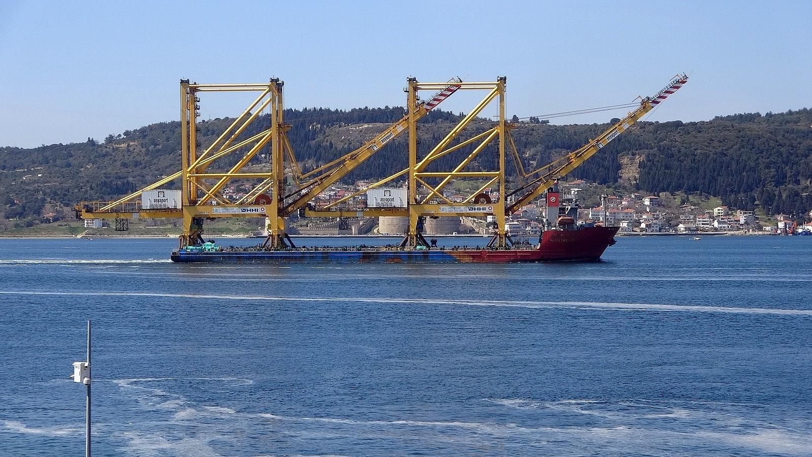 2021/03/liman-vinci-tasiyan-gemi-canakkale-bogazindan-gecti-20210328AW27-2.jpg