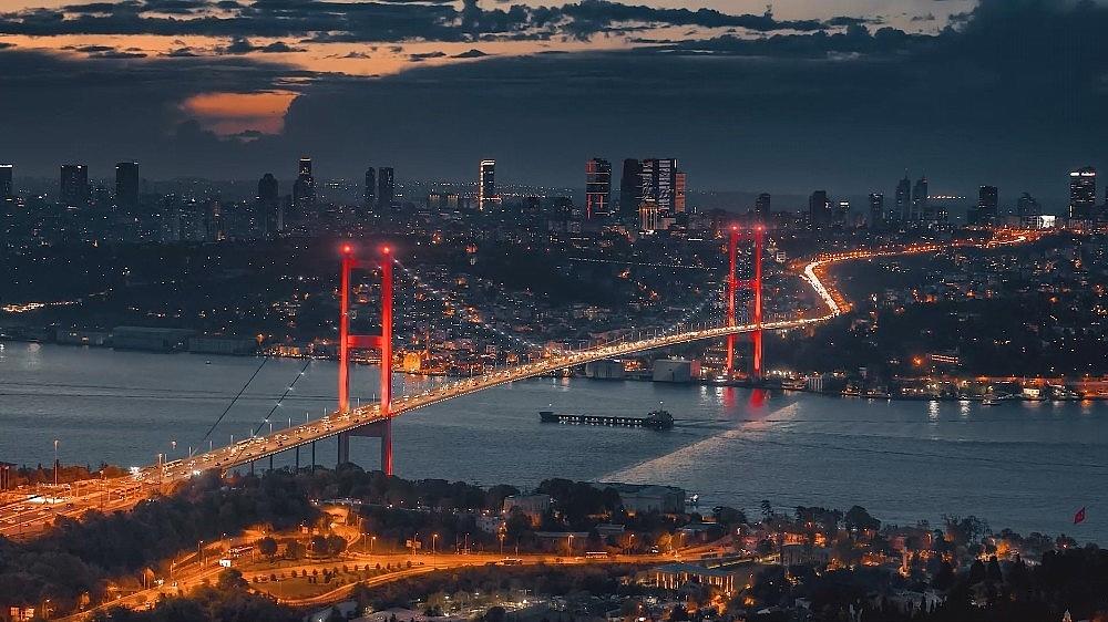 2021/03/ruslarin-gozunden-istanbul-izleyenleri-mest-etti-20210324AW27-5.jpg
