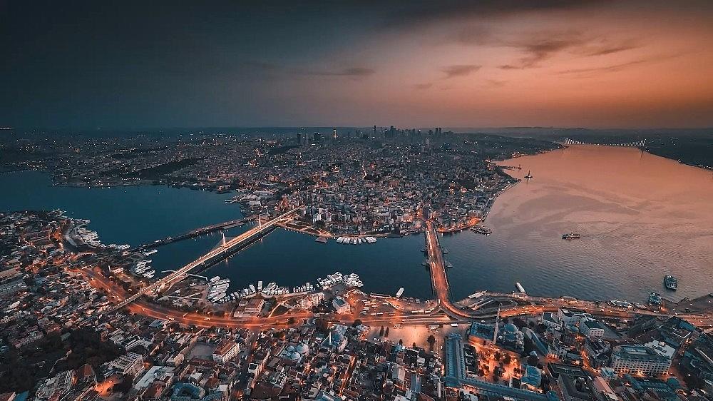 2021/03/ruslarin-gozunden-istanbul-izleyenleri-mest-etti-20210324AW27-6.jpg