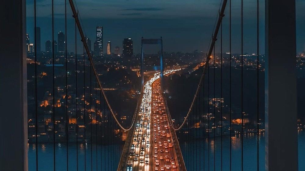 2021/03/ruslarin-gozunden-istanbul-izleyenleri-mest-etti-20210324AW27-8.jpg