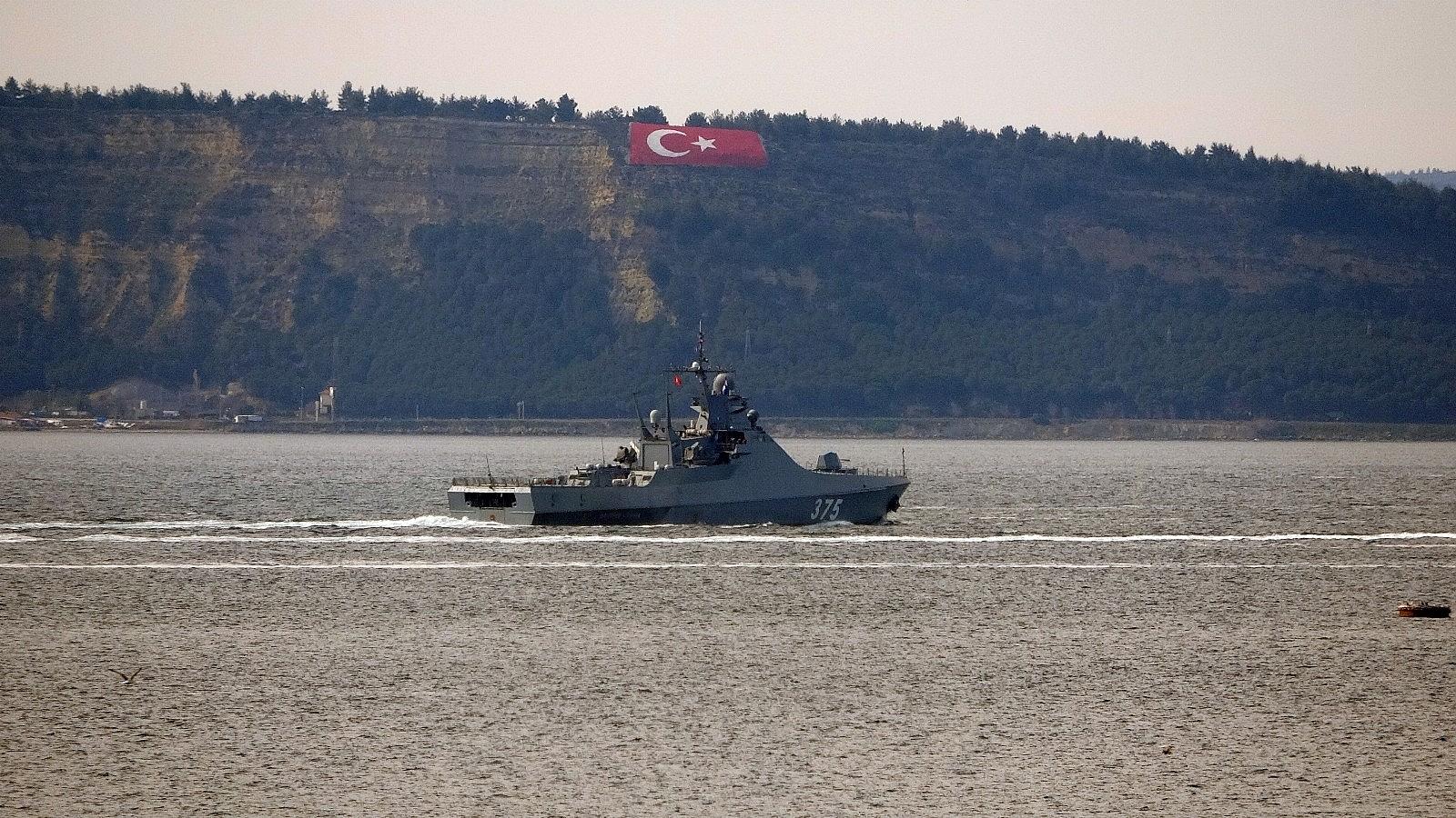2021/04/rus-savas-gemisi-dmitry-rogachev-canakkale-bogazindan-gecti-20210402AW28-5.jpg