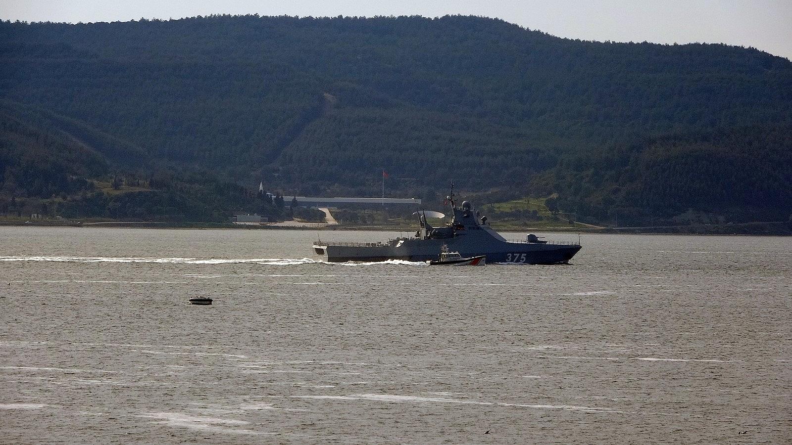 2021/04/rus-savas-gemisi-dmitry-rogachev-canakkale-bogazindan-gecti-20210402AW28-6.jpg