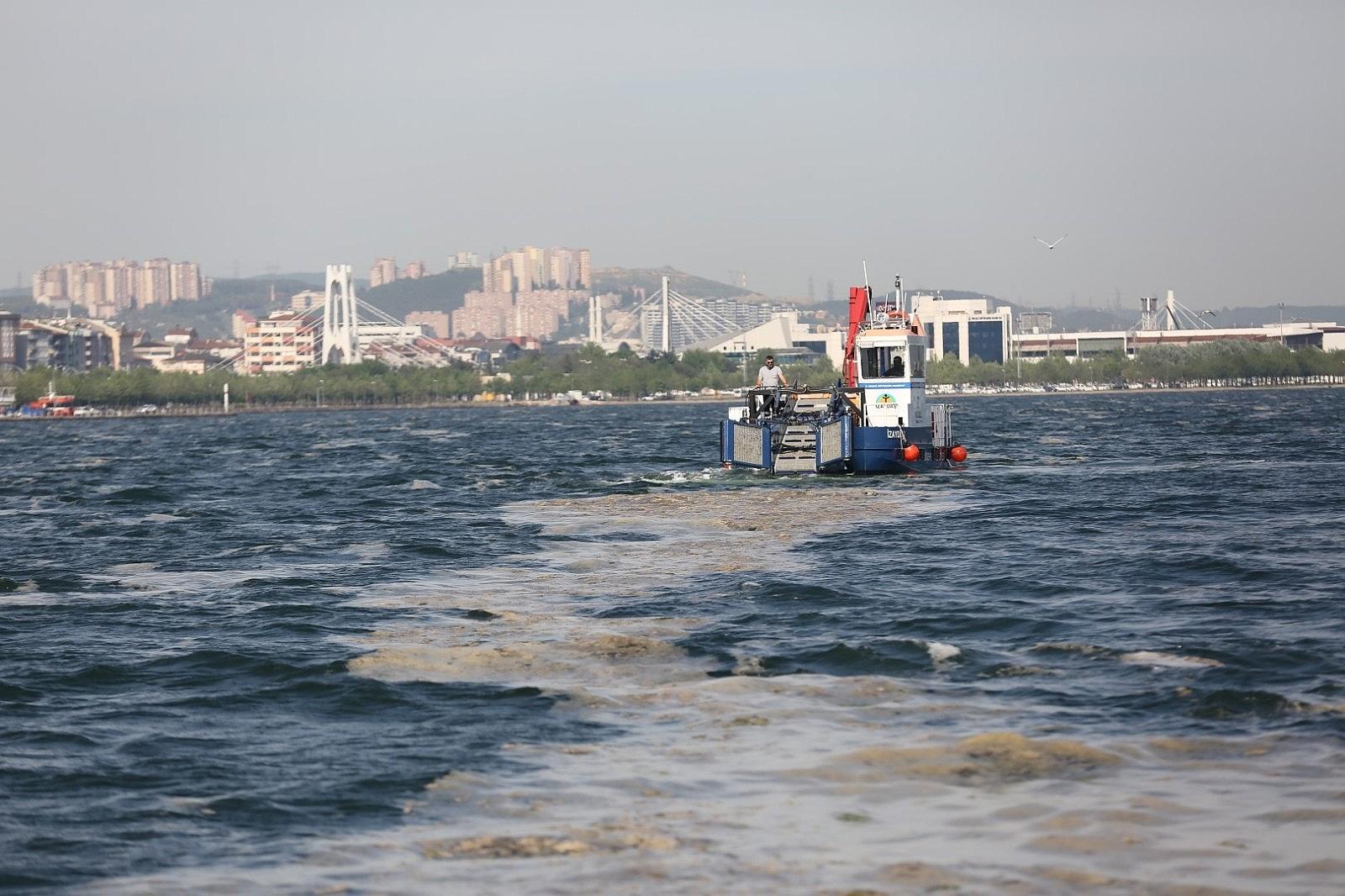 2021/05/38-gunde-100-ton-deniz-salyasi-toplandi-20210508AW31-1.jpg