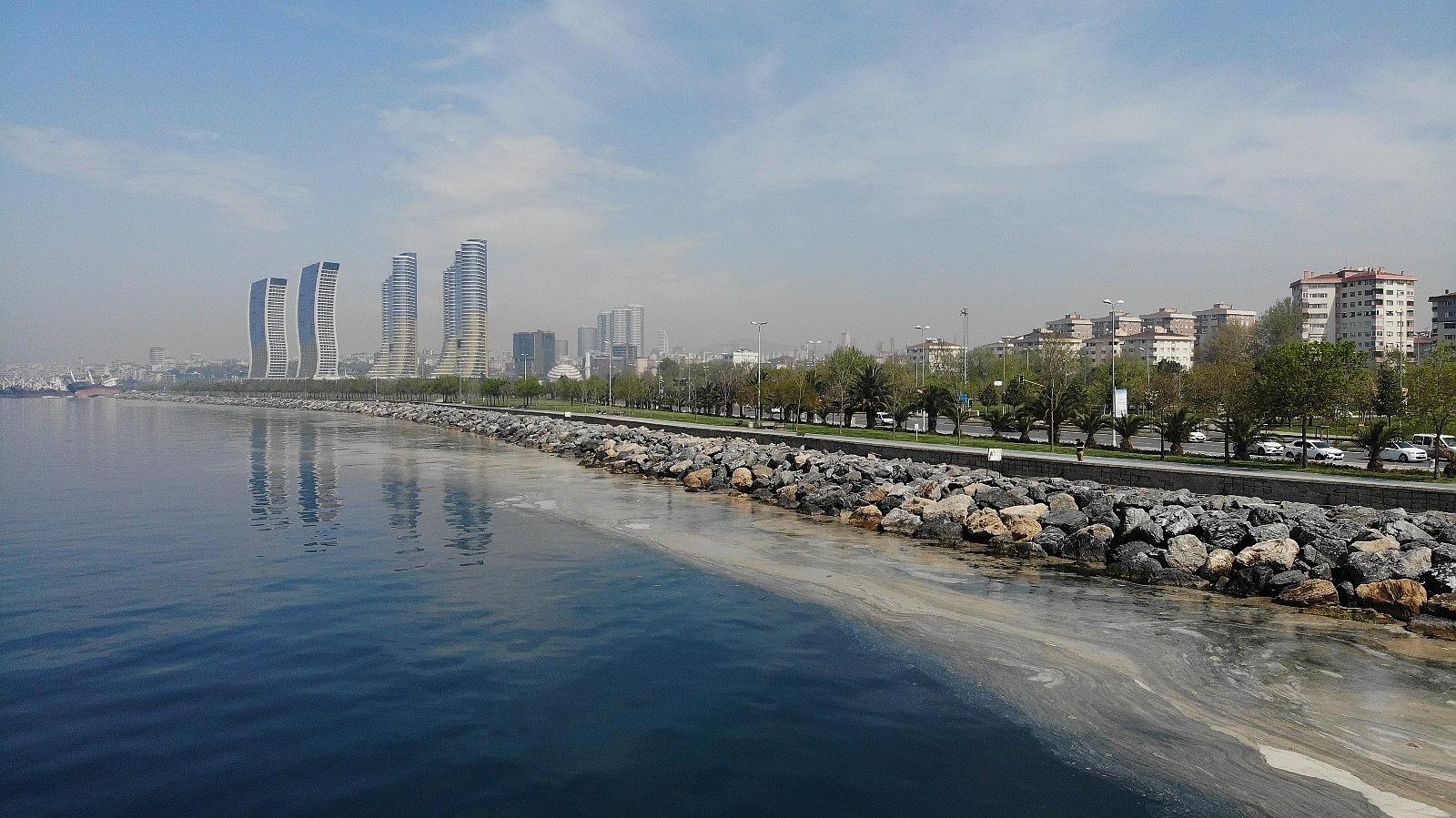2021/05/deniz-salyasi-istilasi-pendik-sahillerine-kadar-geldi-20210430AW30-5.jpg
