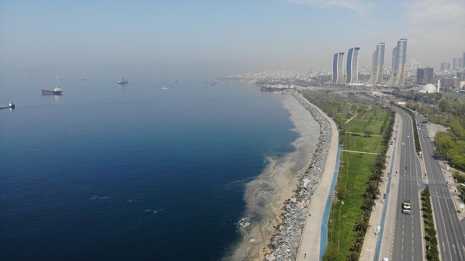 2021/05/deniz-salyasi-istilasi-pendik-sahillerine-kadar-geldi-20210430AW30-7.jpg