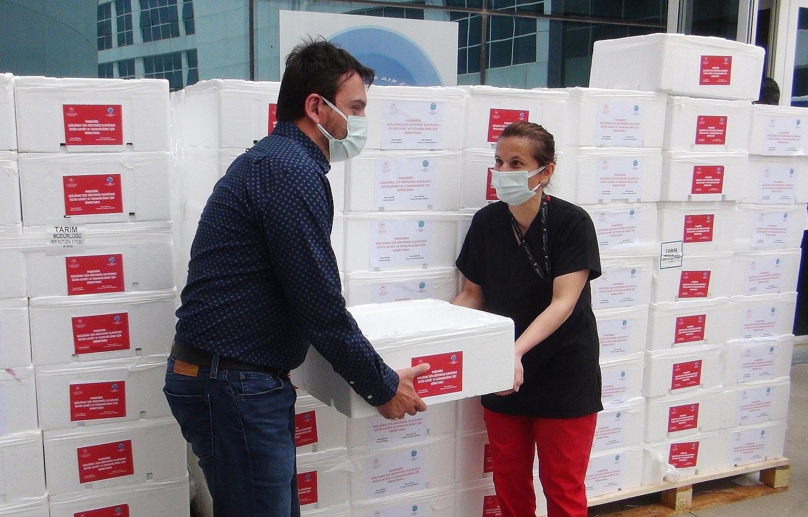 2021/05/pandemi-savascilarina-20-ton-balik-20210505AW31-5.jpg