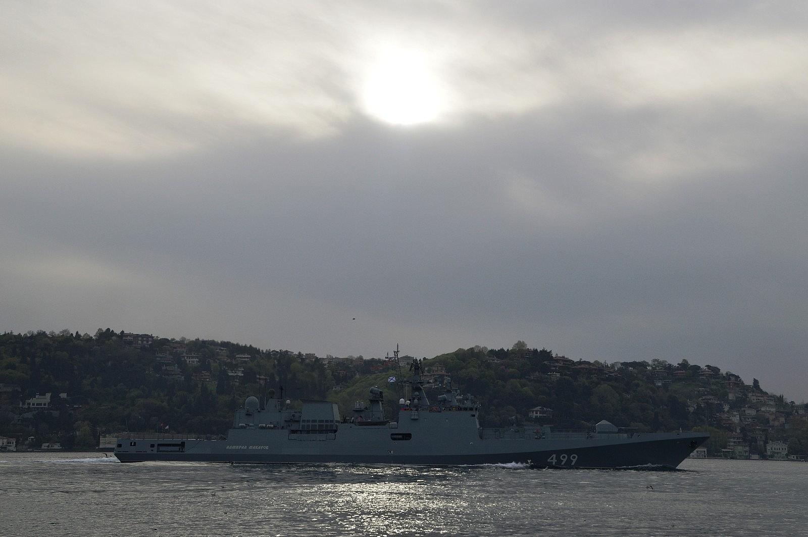 2021/05/rus-donanmasina-ait-rfs-499-borda-numarali-admiral-makarov-gemisi-bogazdan-gecti-20210502AW31-5.jpg