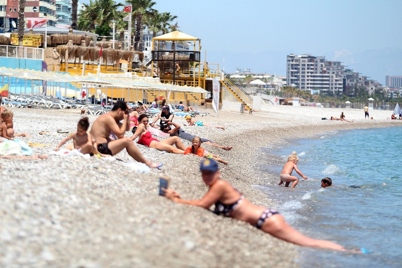 2021/05/sahilde-turist-yogunlugu-20210512AW31-1.jpg