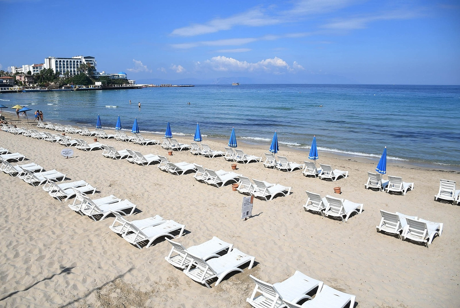 2021/05/turizm-kenti-kusadasinda-plajlar-misafirlerini-bekliyor-20210531AW33-1.jpg
