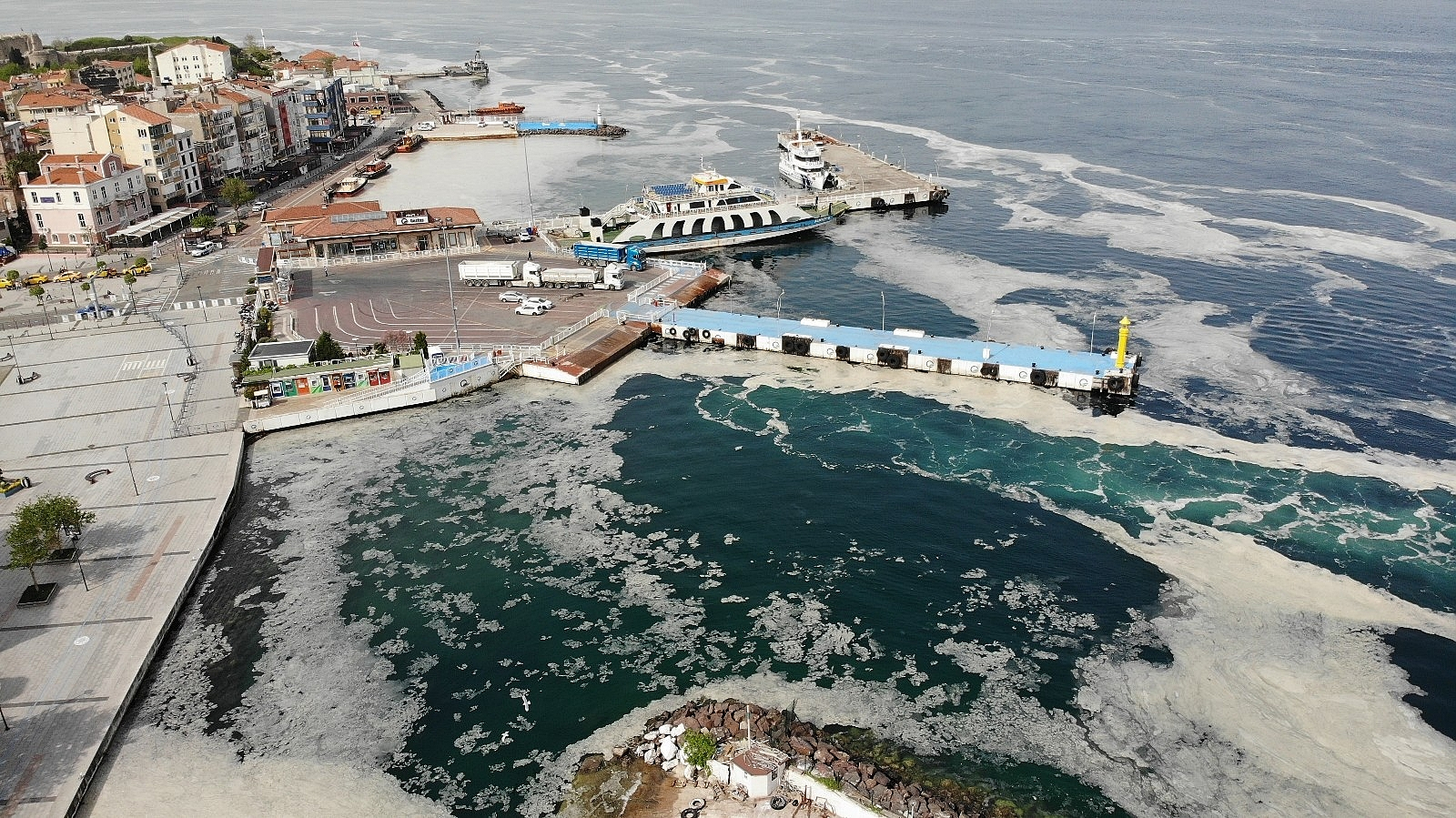 2021/05/uzmanlardan-musilaj-olan-bolgelerde-denize-girilmemesi-uyarisi-20210511AW31-3.jpg
