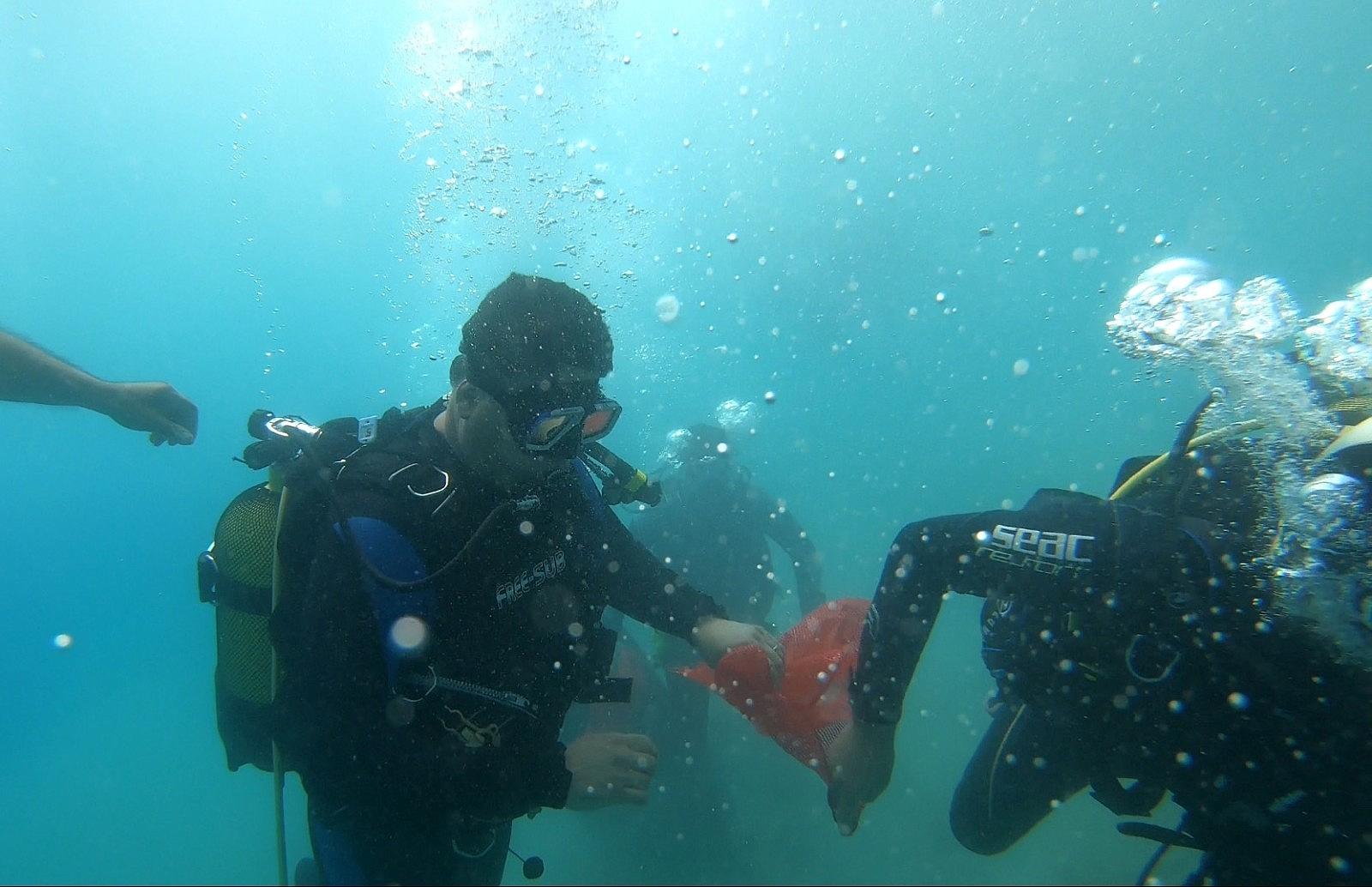 2021/06/fethiye-oludeniz-lagununde-deniz-temizligi-20210610AW34-1.jpg