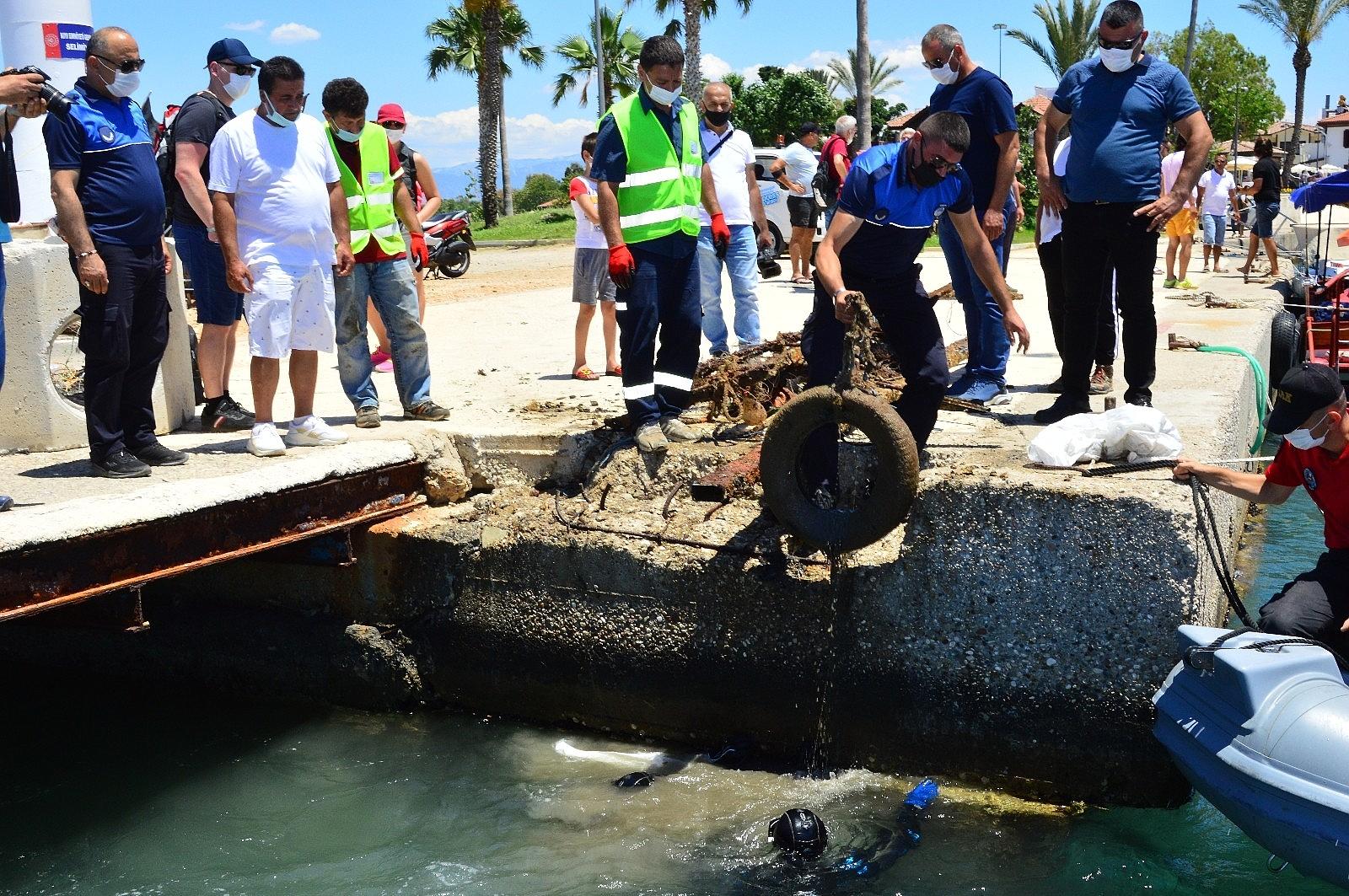 2021/06/side-limaninda-yapilan-sualti-temizliginde-denizden-cikmayan-kalmadi-20210605AW33-1.jpg