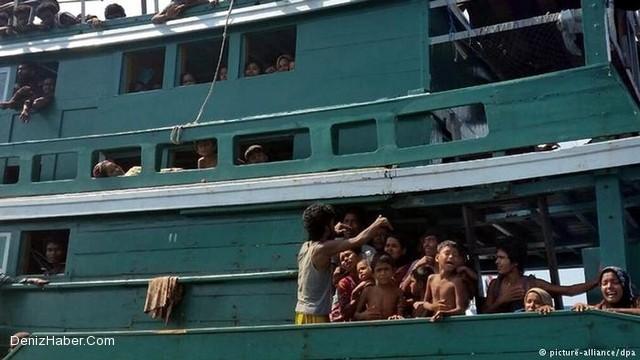 Myanmar'dan kaçanlar açık denizde ölüme terk edilmiş durumda