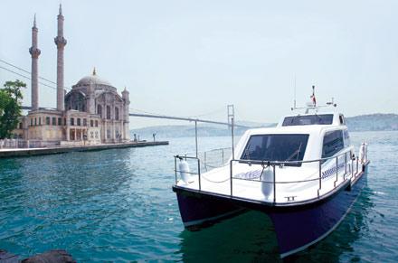 Ünlüler De İDO'nun Deniz Taksilerinin Müdavimi