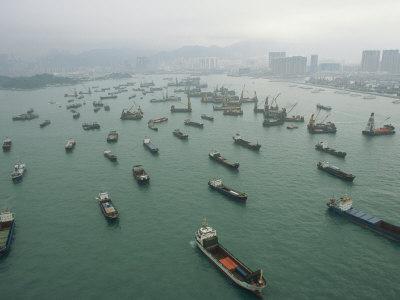 Gemiler Limanlarda Kuyruğa Girdi