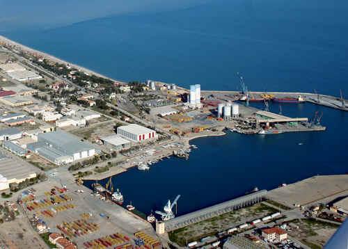 Antalya Limanında Börtü Böcek Tartışması