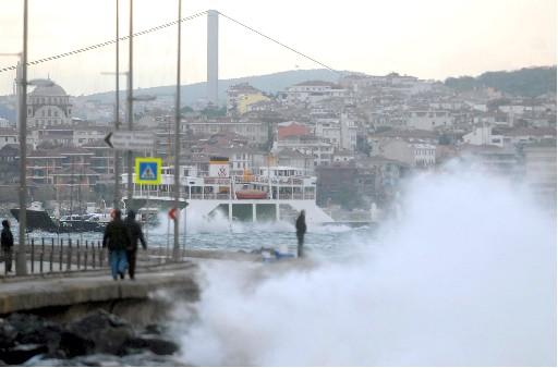 Lodos İstanbul'da da Etkili Oluyor