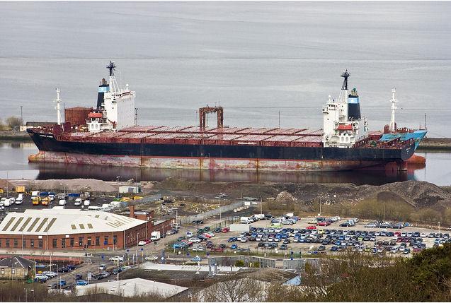 Maersk, MSC'ye 3 gemi daha sattı!