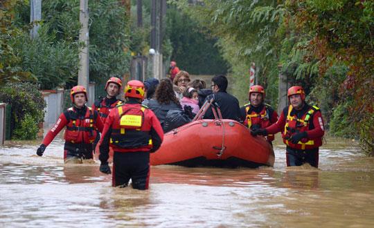 İtalya'da Sel Felaketi 3 Can Aldı
