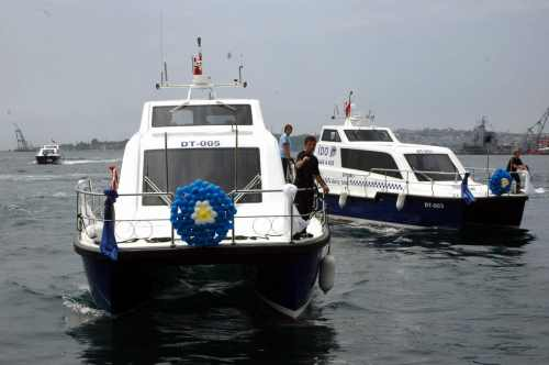 Çeşme'ye taksi yetmedi, deniz taksi geliyor