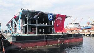 Karaköy'ün yeni iskelesi denizde