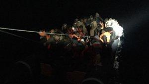 Kuşadası Körfezi'nde 50 kaçak göçmen yakalandı