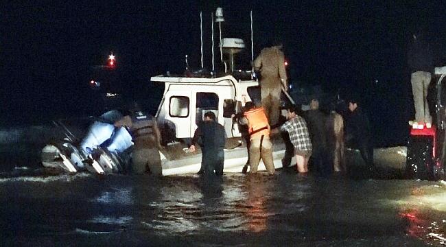 Sahile vuran Sahil Güvenlik botunu balıkçılar ve köylüler kurtardı