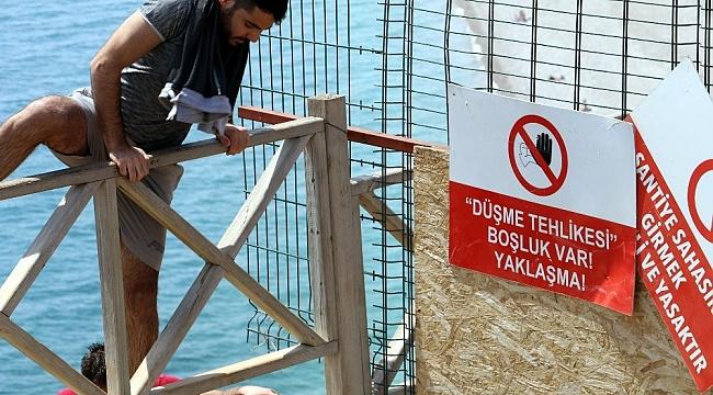Tatilcilerin deniz aşkı engel tanımadı