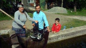 Hem ev hanımı hem de balıkçı
