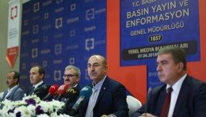 """Bakan Çavuşoğlu: """"Yunanistan'la geri kabul anlaşmasını durdurduk"""""""