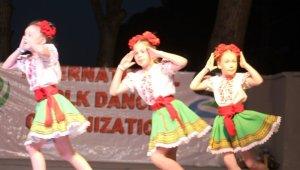 Balıkesir'deki 5. Uluslararası Deniz ve Kum Festivali, halk danslarıyla büyüledi