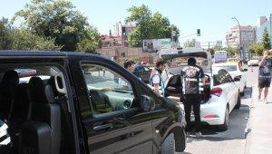 Etiler'de UBER sürücü ile sivil trafik ekipleri arasında ilginç diyalog