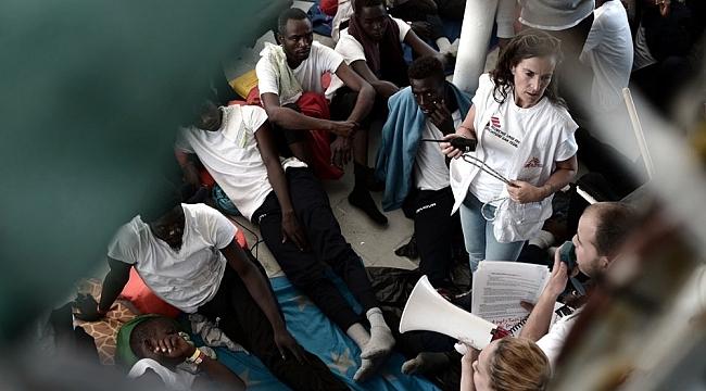"""MSF: """"Aquarius kurtarma gemisindeki 629 kişi derhal en yakın limana indirilmeli"""""""