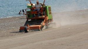 Akçakoca Akevler plajı kumu temizlendi