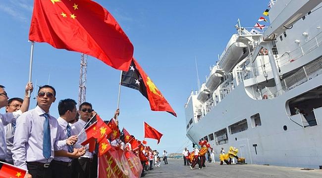 Çin'in gemi hastanesi Papua Yeni Gine'de