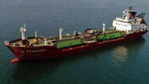 Kuru yük gemisiyle çarpışan LPG tankeri havadan görüntülendi