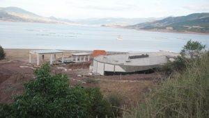 Almus Baraj gölü kirlilikten kurtarılıyor