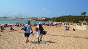 Didim'de 3. Koy plajı yenilendi