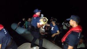 Didim'de 54 kaçak göçmen yakalandı