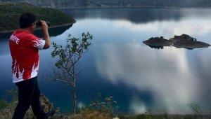 Turistlerin kamp için yeni gözdesi: Nemrut Krater Gölü