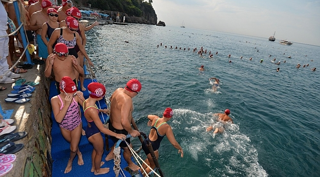 Antalyalılar denizde buluştu