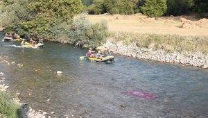 Bir zamanlar terörle anılan Çatak'ta rafting heyecanı