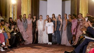 İngiltere'de Türk modacıdan özel defile