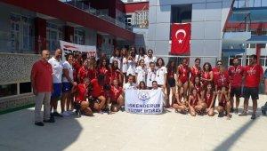 İskenderun Yüzme İhtisas Türkiye şampiyonu oldu