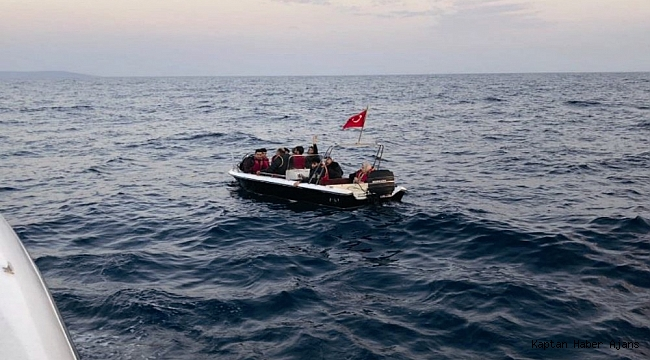 Didim'de fiber tekne arıza yaptı, kaçak göçmenler mahsur kaldı
