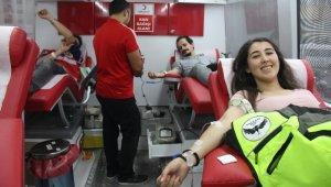 Motor tutkunları farkındalık için kan bağışında bulundu