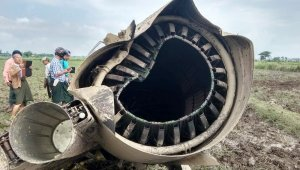Myanmar'da askeri uçaklar çarpıştı: 3 ölü