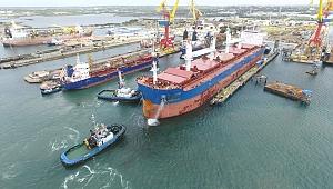 Damen Shiprepair Curaçao yüzer havuzu işletmeye aldı