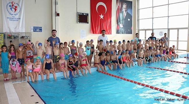 Manisa'da 'Yüzme Bilmeyen Kalmasın' projesi başladı